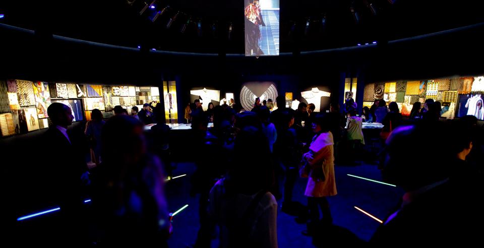 "Bevilacqua Architects designed the exhibition of Fendi ""Un Art Autre"" in Beijing"