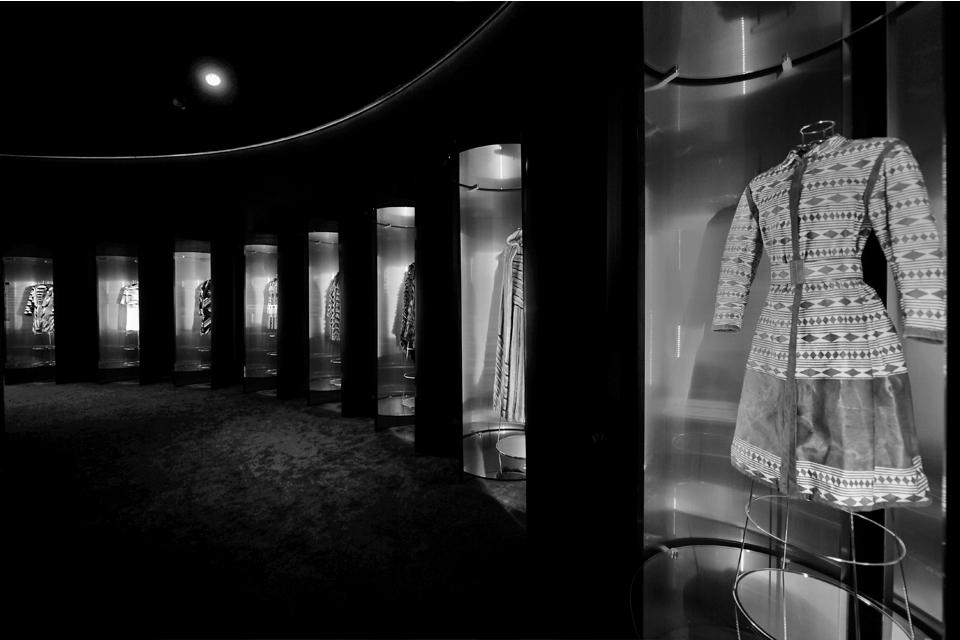 """Fendi """"Un Art Autre"""" - The Exhibition Path"""