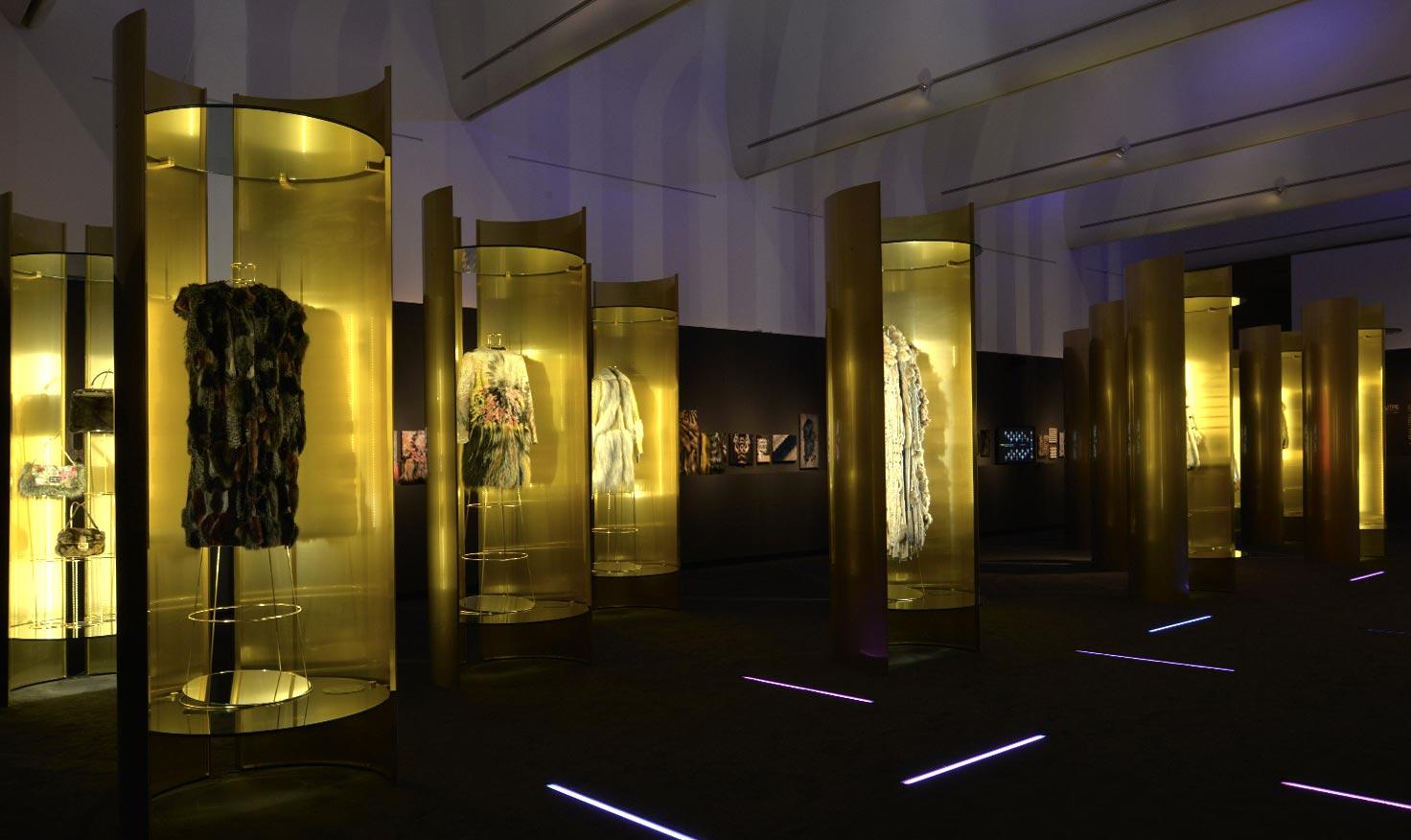 Un Art Autre Exhibition_Fendi Brass Display Cases by Bevilacqua Architects
