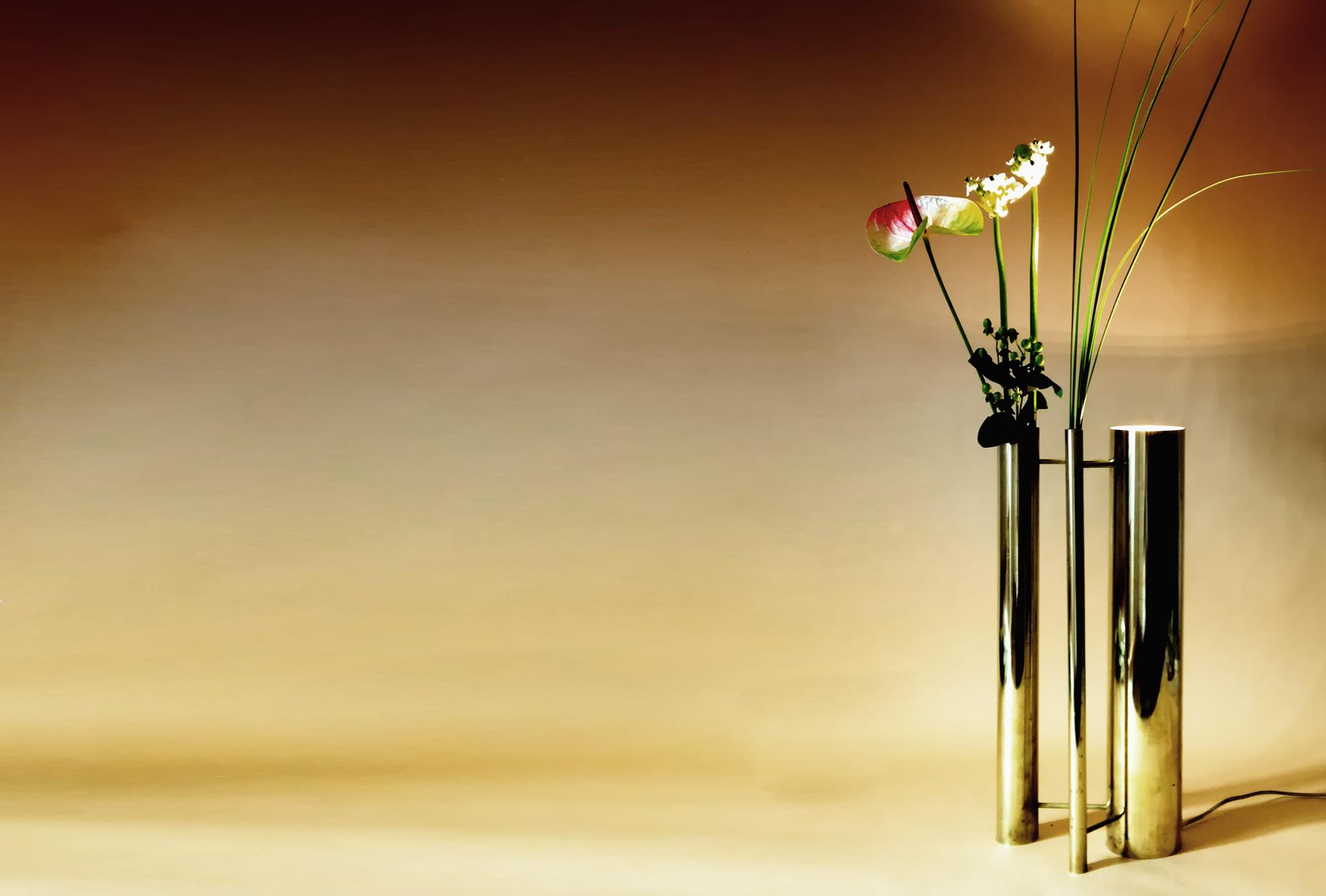 Bevilacqua Architects - Flower Brass Lamp